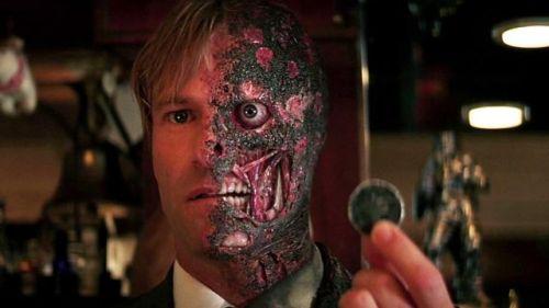 Roccioletti - Harvey Dent Two Face e la sua moneta, da Il cavaliere oscuro, Christopher Nolan, 2008